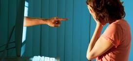 GIOVANI, PER L'86% DEI RAGAZZI INSULTARE NON E' GRAVE
