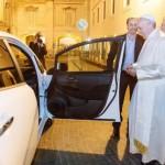 Papa Francesco viaggerà con auto elettrica