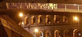 SPORT, AL COLOSSEO LA REPLICA DEI TIFOSI DELLA ROMA NON SI E' FATTA ATTENDERE