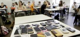 L'APPELLO DEL CODACONS CONTRO GLI SMARTPHONE NELLE AULE SCOLASTICHE