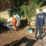 CASILINA, BARACCHE E RIFIUTI: BONIFICA IN AREA ARCHEOLOGICA - FOTO 1