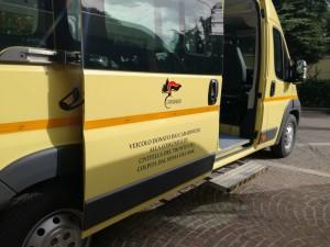 Scuolabus donato (Foto Carabinieri)