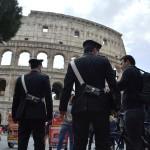 I controlli dei carabinieri al Colosseo