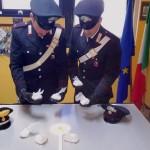 FRASCATI - Gli involucri di cocaina sequestrati dai Carabinieri al pusher 16enne